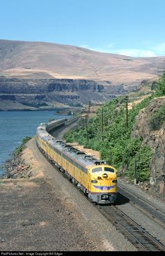 UP 954 Union Pacific EMD E9(A) at The Dalles, Oregon by Bill Edgar
