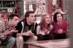 """10 Things You Thought Were Okay Because They Happened On """"Friends"""" #Refinery29"""