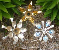 Unique garden decor made from spoons!