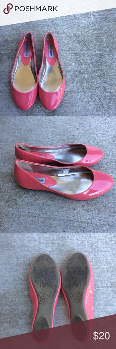 Steve Madden Heaven Patent Ballet flats coral 7.5 For sale is a gorgeous pair of Steve Madden heaven patent ballet flats. Size 7 1/2 and a pretty coral pink color. Round toe and rubber sole.  Preowned but still in great condition other than two spots. See last picture.  In my opinion these run a tiny bit big and wide.  Open to offers or save with bundling. Thanks for looking! Steve Madden Shoes Flats & Loafers