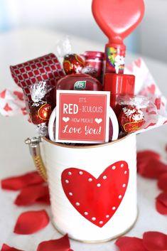 Valentine Gift Baskets, Valentine's Day Gift Baskets, Best Valentine Gift, Valentine Gifts For Husband, Valentines Day Gifts For Her, Diy Gifts For Boyfriend, Valentines Diy, Boyfriend Girlfriend, Valentines Breakfast