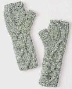 Cable-Knit Alpaca Glovelets, Sage