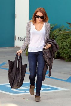9e81039c31a43 Miley Cyrus wore a pair of Citizens of Humanity Avedon ultra skinny jeans  in Satellite Miley