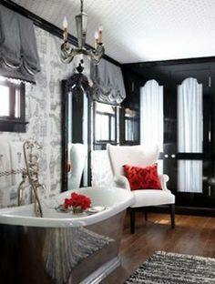 Black & White such a classic combination that I adore!  LOVE the tub!!