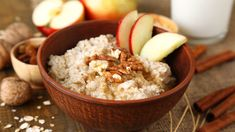 Learn how to make Fruity Nutty Oats Porridge , it's ingredients & nutritional info. Simple & step by step Fruity Nutty Oats Porridge recipe at World Of Moms Porridge Recipes, Oatmeal Recipes, Crock Pot Cooking, Cooking Recipes, Apple Cinnamon Oatmeal, Slow Cooker Apples, Foods To Eat, Overnight Oats, Healthy Snacks