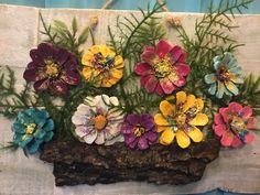 pinecone wall art – Keep up with the times. Pine Cone Art, Pine Cone Crafts, Pine Cones, Nature Crafts, Fall Crafts, Arts And Crafts, Art Nature, Flower Crafts, Flower Art