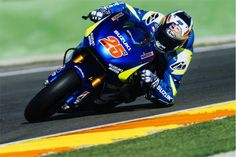 Galerías   Fotos del 1er día de test post temporada MotoGP en Valencia   Solomoto