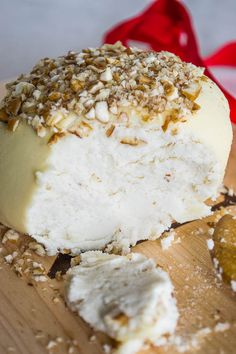 Queso de Almendras Queso Feta, Healthy Tips, Camembert Cheese, Tapas, Vegan Recipes, Dairy, Meals, Cooking, Sweet