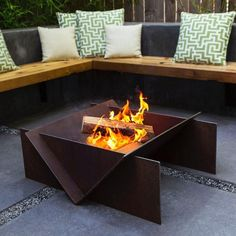 The Stahl wood burning fire pit develops a unique distressed look naturally as it ages. Order your new rustic outdoor fire pit from Starfire Direct. Metal Fire Pit, Wood Burning Fire Pit, Diy Fire Pit, Fire Pit Backyard, Fire Fire, Garden Fire Pit, Concrete Fire Pits, Rustic Outdoor, Outdoor Decor