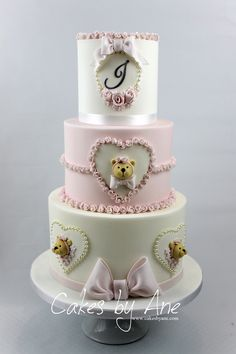 Teddy Bear Baby Shower Cake, to help you celebrate your expected arrival. #festa #bolochadebebe #festachadebebe #festaparameninas #babyshower #babyshowercake #babycakes