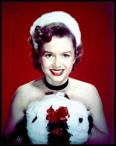 Debbie REYNOLDS Hollywood Icons, Hollywood Fashion, Golden Age Of Hollywood, Vintage Hollywood, Hollywood Glamour, Hollywood Stars, Classic Hollywood, Hollywood Actresses, Old Movie Stars