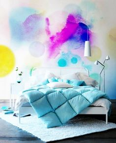 Faça você mesmo: 10 maneiras de usar aquarela na decoração da sua casa –velas, edredom, parede, etc.