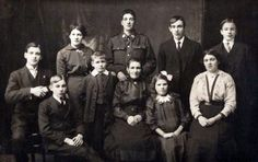 member-of-the-16th-welsh-cardiff-city-battalion-and-family-courtesy-of-frisby13