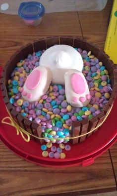 Made this cake for easter :) so fun and super easy