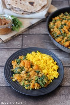 Curry végétarien167 Indian Food Recipes, Vegan Recipes, Ethnic Recipes, Chapati, Plant Based Recipes, Bon Appetit, Carne, Brunch, Veggies