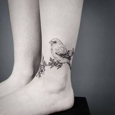 Black bird and floral wreath ankle tattoo. - Black bird and floral wreath ankle tattoo. Bird Ankle Tattoo, Ankle Tattoo Designs, Ankle Tattoos, Body Art Tattoos, Tatoos, Black Bird Tattoo, Robin Bird Tattoos, Robin Tattoo, Symbolic Tattoos