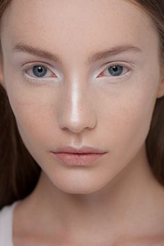 Wondering how else to use your white liner? Try this look featured on this year's runway