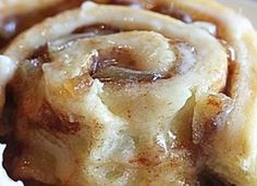 Apple pie cinnamon rolls/buns! #apple #pie #dessert  #cinnamonrolls #freshfood #homemade #hot #chewy #foodporn #food #baking #cinnamonbuns #icing #kitchen #delish Photo via #thehopelesshousewife