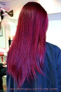 Coloration rouge irisé réalisée au salon Herveou Coiffure à Brest (France)