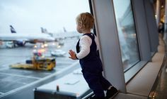 15 Ideas and Tips for Flying With a Toddler
