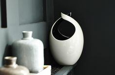 An ideal gift, the Aria Vase has an organic shape which will complement contemporary or traditional interiors.