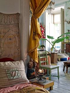Straight boho. The home of Tomas Colaco.