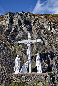 Crucifix, Dingle peninsula, Ireland by Matthi, via Dreamstime