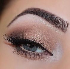 Pageant and Prom Makeup Inspiration. Find more beautiful makeup looks with Pageant Planet. Pageant and Prom Makeup Inspiration. Find more beautiful makeup looks with Pageant Planet. Hazel Eye Makeup, Natural Eye Makeup, Eye Makeup Remover, Eye Makeup Tips, Makeup Inspo, Eyeshadow Makeup, Makeup Inspiration, Makeup Ideas, Natural Prom Makeup For Brown Eyes