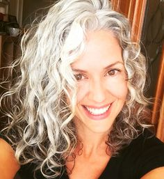 Sara Sophia Eisenman - silver hair gray hair silver siren authenticity natural beauty nutrition health vitality this is hopefully what my hair will look like Grey Curly Hair, Long Gray Hair, Silver Grey Hair, Curly Hair Styles, Lilac Hair, Pastel Hair, Long Curly, Green Hair, Green Eyes