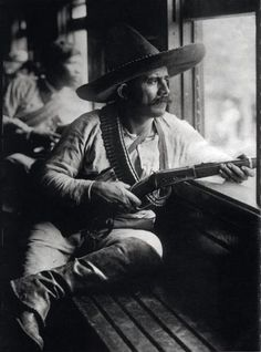 The Mexican Revolution, 1914 by photographer Agustín Victor Casasola. Mexican American, American History, American War, Mexican Revolution, Pancho Villa, Westerns, Mexico Culture, Tatoo Art, Mexicans