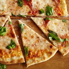 How to Make Perfect Pizza Margherita Follow these easy steps to make pizza with a chewy-yet-crisp crust, a well-seasoned raw tomato sauce and fresh buffalo mozzarella cheese.