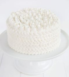 Wedding Cake Recipes WASC {white chocolate sour cream almond} Cake covered in white buttercream with a russian tip roses on top! - I am baker Brownie Cake, Pie Cake, No Bake Cake, Brownies, Oreo Dessert, Japanese Sweets, Köstliche Desserts, Delicious Desserts, Wasc Cake Recipe
