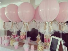 Tulle and burlap balloons