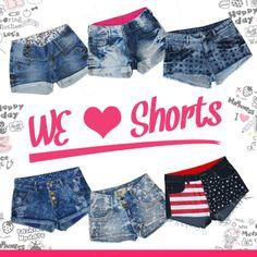 Quem não ama shortinhos #jeans? As peças dessa coleção estão um arraso. São vários estilos e modelos para combinar com você!
