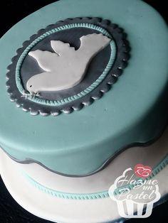 Sobria torta de comunión para un varón. Boy Communion Cake, Confirmation Cakes, Birthday Cake, Desserts, Deco, Food, Image, Cakes For Kids, Cake Designs