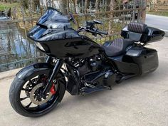Harley Davidson Road Glide, Harley Davidson Touring, Road Glide Special, Harley Bikes, Street Glide, Motorcycle Outfit, Classic Cars, Baggers, Bike Stuff