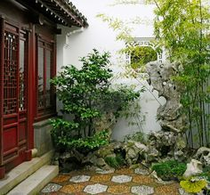 Entrance to Dr. Sun Yat Sen Garden in Vancouver. A nice small Chinese garden. Tropical Pool Landscaping, Backyard Landscaping, Traditional Chinese House, Landscape Design, Garden Design, Chinese Design, Chinese Style, Garden Solutions, Asian Architecture