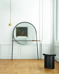 A match made in minimalist heaven, the Geoffrey mirror by Alain Gilles and the San stool by Studio Klass offer contrast and interest while opening up space with clever clean lines.  #ligneroset #furniture #frenchdesign #design #furnituredesign #interiordesign #interiors #modern #interiorinspiration #mirror #stool #seating #chair #minimaldesign #mirrorinspiration #livingroom