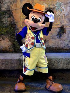 ミッキーマウス                                                       …