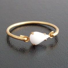 Moonstone engagement like this Wld be VERY <3 <3 <3