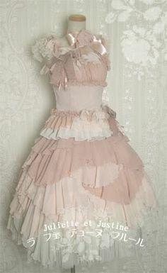 La fée d'une fleur by Juliette et Justine  It's just amazing <3  Reminds me of a fairy outfit~