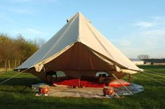 The Sibley 600 Twin Ultimate is the ultimate Canvas Glamping tent. The Sibley 600 is a Glamping Palace Camping Cot, Camping Stove, Camping Hacks, Outdoor Camping, Glamping, Backyard Camping, Backyard Ideas, Canvas Bell Tent, Tent Stove