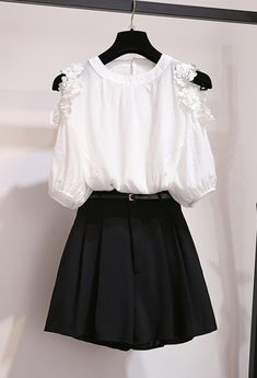 Cute Skirt Outfits, Cute Casual Outfits, Girly Outfits, Pretty Outfits, Cute Dresses, Girls Fashion Clothes, Teen Fashion Outfits, Girl Fashion, Fashion Dresses