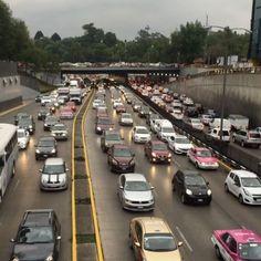 Hermosa y caótica Ciudad de México ���� #cdmx #mexicocity #mx #instacity #instamex #instacdmx #visitmexico #chapultepec #streetlife #city #ciudad #df #trafico #autos #instafollow #instagramers #instavideo #video #cars #bycicle #motorcycle #bus #follow4follow #followforfollow #followme #caos #life #backtohome #walking http://unirazzi.com/ipost/1507687937999311012/?code=BTsYjEIlxCk