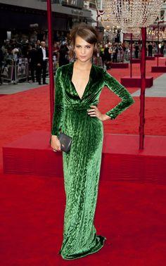"""Alicia Vikander en robe Gucci à la première du film """"Anna Karenina"""" à Londres, le 4 septembre 2012"""