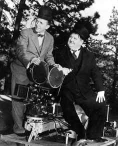 "Laurel And Hardy Stan Laurel Oliver Hardy Oliver & Hardy  8x10"""