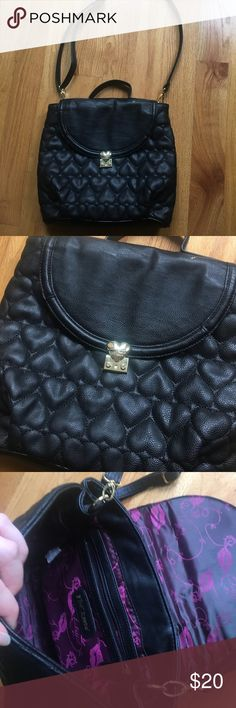 Betsey Johnson purse Betsey Johnson black purse with gold . Good condition . No flaws Bags