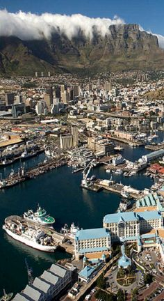 Waterfront and Table Mountain in the background, Cape Town, South Africa