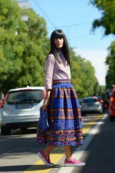 Stella Jean camicia a righe e gonna a ruota, Milano Fashion Week