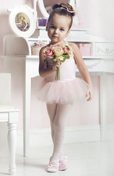 OMG this little ballerina is sooo adorable.  Kids can look so adorable and innocent.  Love it.